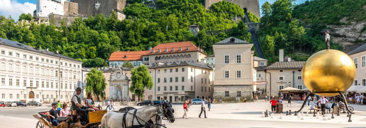 Kapitelplatz mit Blick auf Festung Hohensalzburg